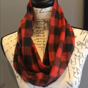 💜buffalo plaid infinity scarf 3/20.00